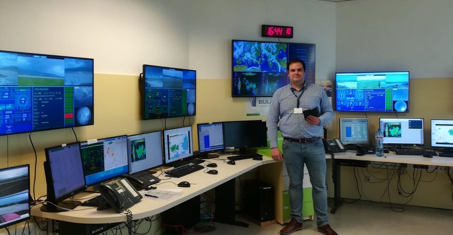 Студенти посетиха виртуално авиационните метеоролози на BULATSA